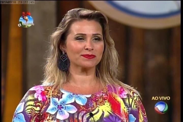 18.set.2014 - Andréia Sorvetão escolhe Felipeh Campos para deixar a disputa pelo cargo de fazendeiro