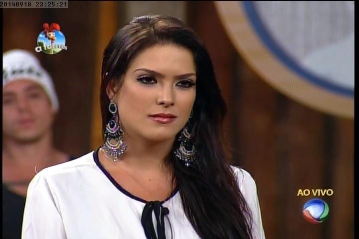 18.set.2014 - Débora Lyra vota em Lorena Bueri para deixar a prova do cargo de fazendeiro
