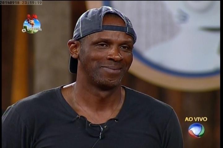 18.set.2014 - Robson Caetano participa da disputa pelo cargo de fazendeiro