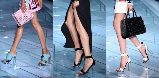 19.set.2014 - Os saltos acrílicos estão de volta? Se depender da estilista Donatella Versace, com certeza. As sandálias transparentes apareceram na coleção Verão 2015 para acrescentar ainda mais sensualidade nos looks - Getty Images