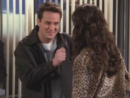 "20 anos de ""Friends"": cena do episódio ""The One With All The Rugby"""