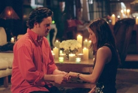 "20 anos de ""Friends"": Chandler e Monica no episódio ""The One With The Proposal"""