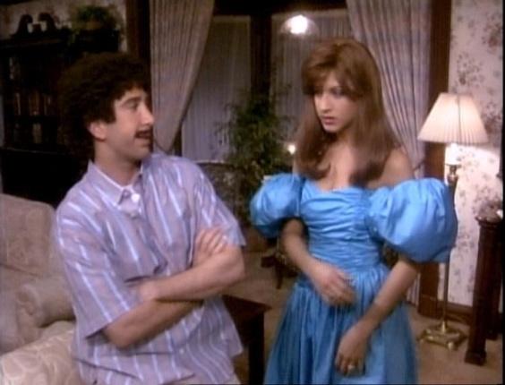 """20 anos de """"Friends"""": Ross e Rachel no episódio """"The One With The Prom Video"""""""