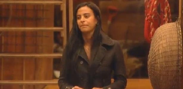 """Lorena Bueri diz que Diego merece ficar com alguém melhor do que ela em """"A Fazenda 7"""""""
