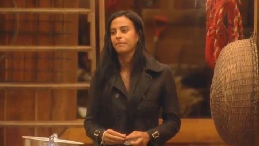 Lorena Bueri diz que não merece ficar com Diego Cristo