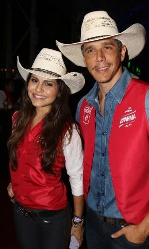 19.set.2014 - Márcio Garcia e Jéssica Alves entram no clima country no Jaguariúna Rodeo Festival 2014, realizado na cidade de Jaguariúna, na região metropolitana de Campinas