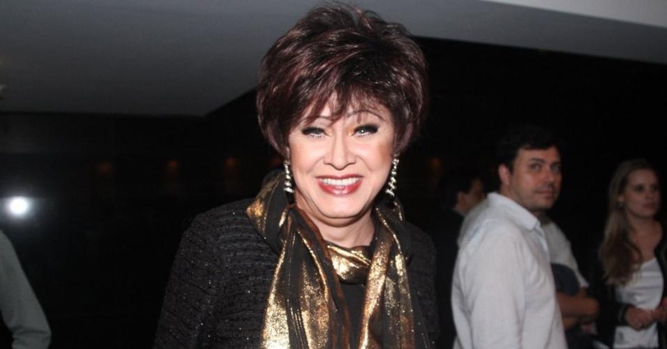 19.set.2014 - Nany People vai ao show de Bibi Ferreira, em São Paulo. A atriz e cantora interpretou música de Frank Sinatra
