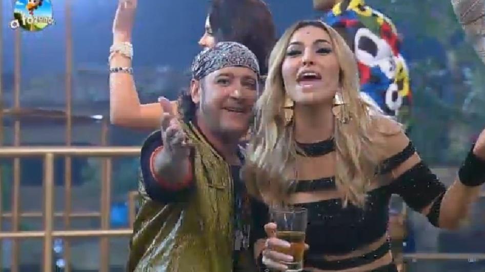 """19.set.2014 - Sabrina Sato participa da primeira festa de """"A Fazenda 7"""" na noite desta sexta-feira. A apresentadora, que surgiu no """"Big Brother Brasil 3"""", se divertiu na festa """"Ostentação"""" e relembrou sua vida de confinada em um reality show"""