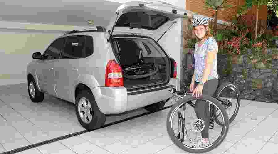 Como encaixar duas bicicletas em seu carro - Murilo Góes/UOL