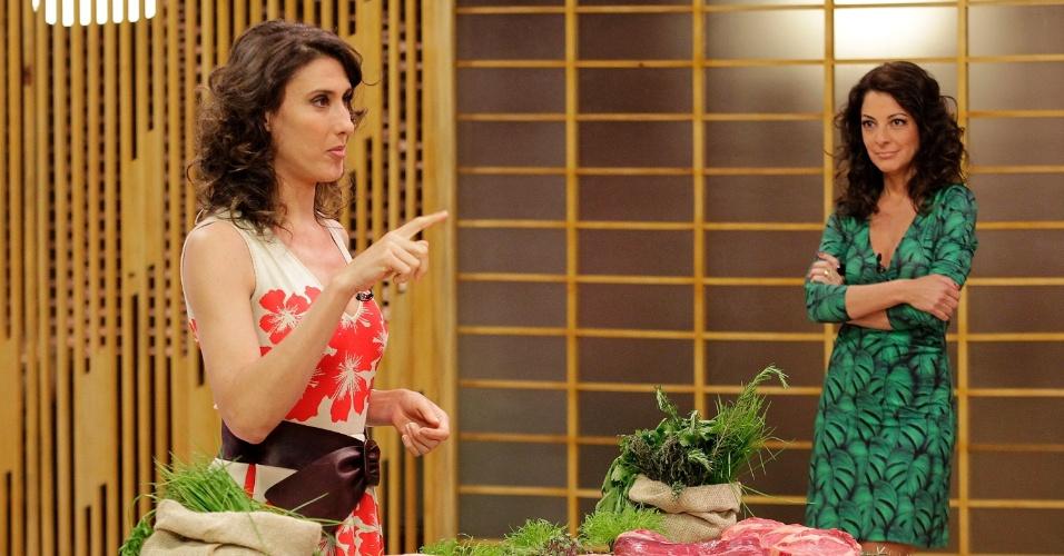 """12.set.2014 - Paola ensina técnicas de carne para os participantes do """"Masterchef"""""""