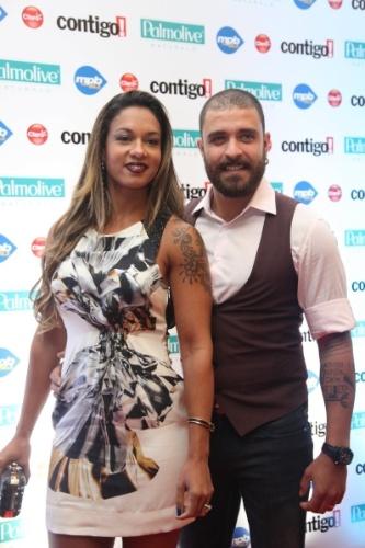 22.set.2014 - Milena e Diogo Nogueira no tapete vermelho do Prêmio Contigo, no Rio de Janeiro