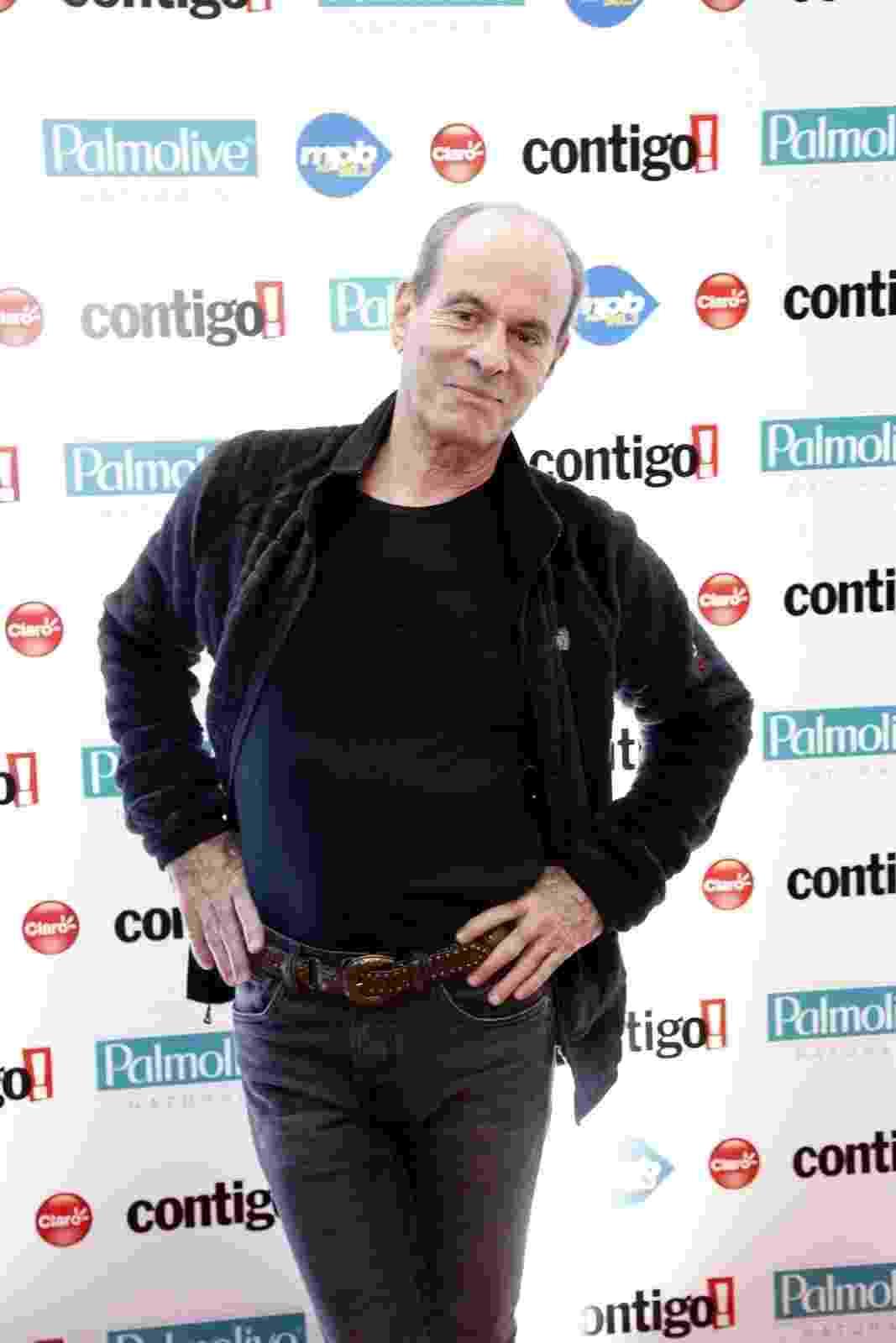 22.set.2014 - Ney Matogrosso no tapete vermelho do Prêmio Contigo, no Rio de Janeiro - Alex Palarea e Felipe Assumpção/AgNews