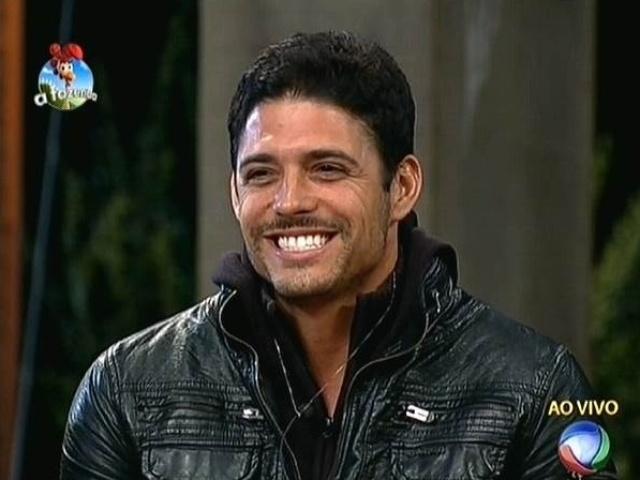 """22.set.2014 - O fazendeiro Marlos vota em Heloisa Faissol para a primeira roça de """"A Fazenda 7"""""""