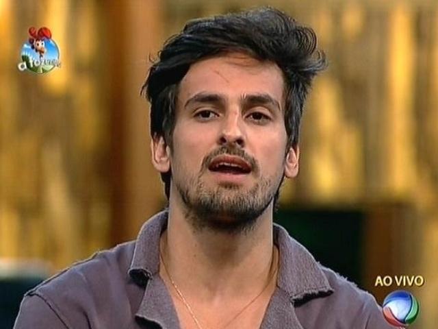 """22.set.2014 - O sertanejo Léo Rodriguez indica o empresário Oscar Maroni para a primeira roça de """"A Fazenda 7"""""""