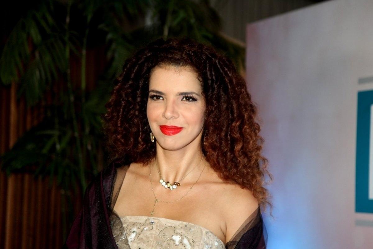 22.set.2014 - Vanessa da Mata no Prêmio Contigo, no Rio de Janeiro