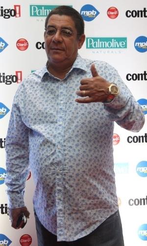 22.set.2014 - Zeca Pagodinho no tapete vermelho do Prêmio Contigo, no Rio de Janeiro