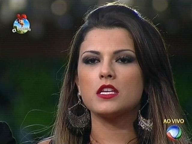 """22.set.2014 - Babi Rossi vota em Diego Cristo na primeira roça de """"A Fazenda 7"""""""