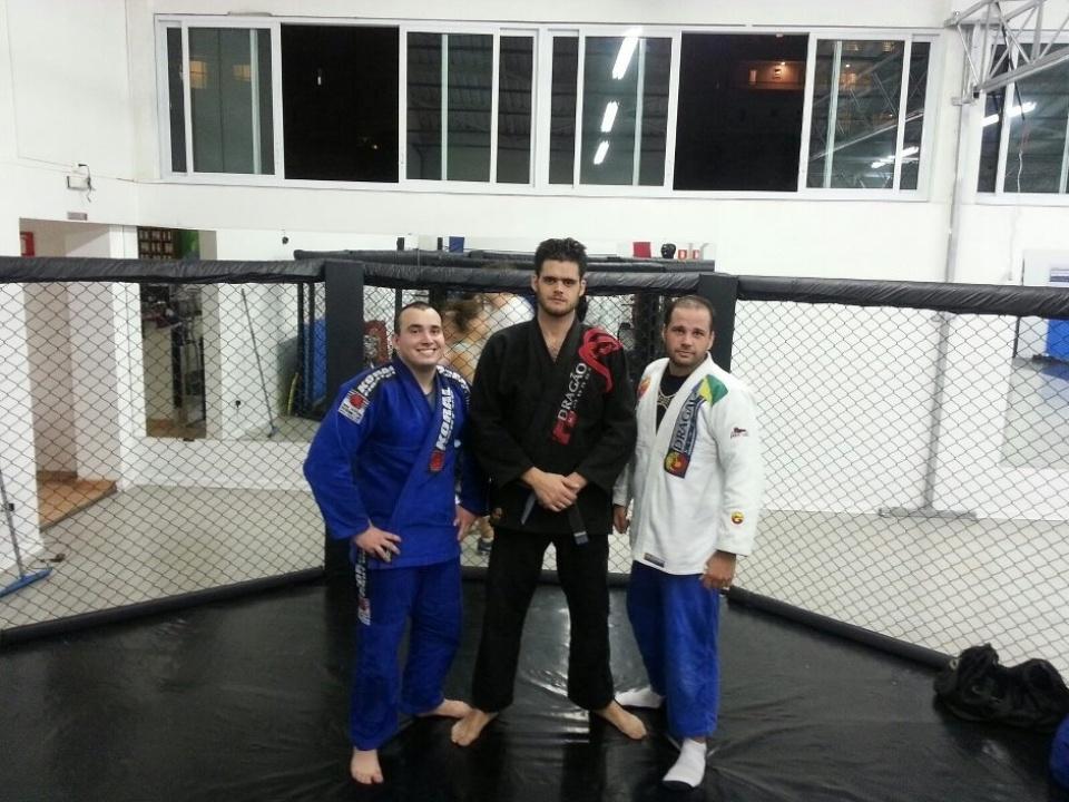 De kimono preto, Aratã Maroni, filho de Oscar Maroni