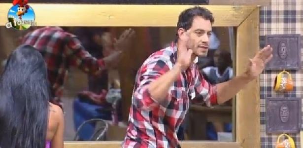Diego Cristo discute com DH, após votação da roça