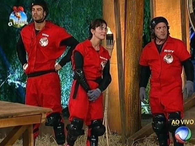 24.set.2014 - Diego Cristo, Heloisa Faissol e Roy Rosselló aguardam resultado da prova do fazendeiro em