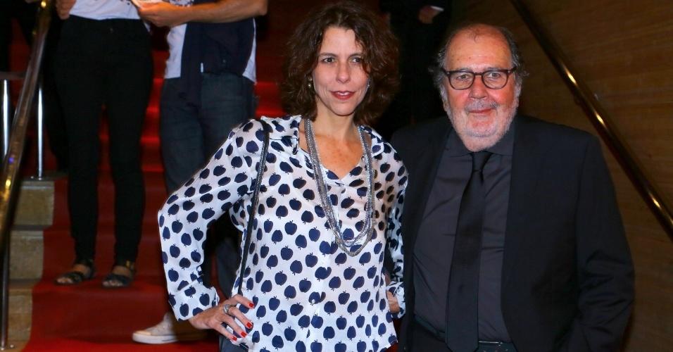 24.set.2014 - O cineasta Cacá Diegues e sua mulher, Renata Almeida Magalhães, vão à abertura do Festival do Rio 2014. A cerimônia exibe o documentário