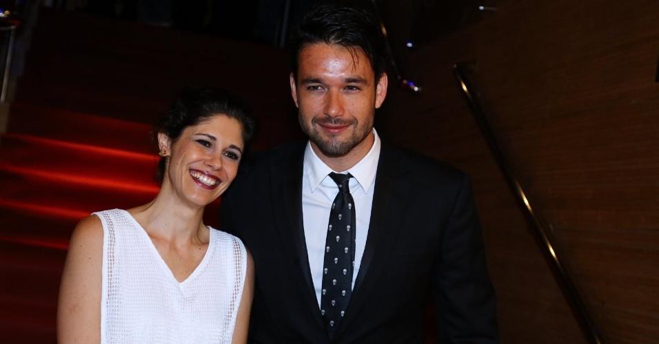 24.set.2014 - Os atores Juliana Martins e Sérgio Marone vão à abertura do Festival do Rio 2014. A cerimônia exibe o documentário