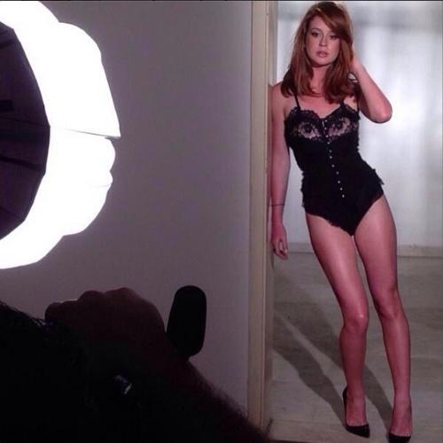 Set.2014 - Marina Ruy Barbosa mostra bastidores do ensaio sensual que fez para a capa da revista GQ Brasil