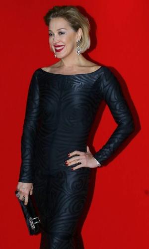 24.set.2014 - A atriz Claudia Raia mostra seu look na festa de abertura da 16ª edição do Festival do Rio 2014, no Sacadura 154, na zona portuária do Rio de Janeiro, nesta quarta-feira