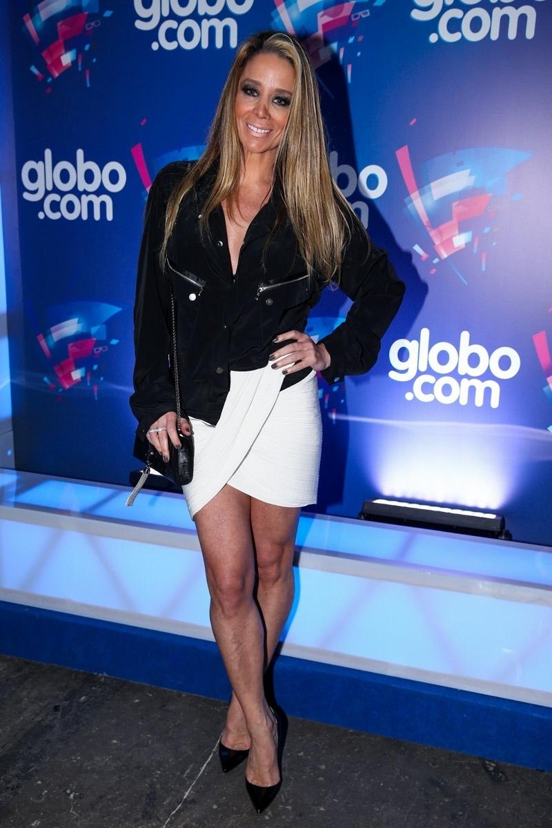 24.set.2014 - Danielle Winits vai à festa das Organizações Globo em um estúdio da emissora, no Brooklin Novo, na zona sul de São Paulo, nesta quarta-feira