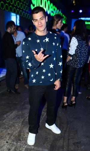 24.set.2014 - O ator Arthur Aguiar faz pose para os fotógrafos em uma festa das Organizações Globo em um estúdio da emissora, no Brooklin Novo, na zona sul de São Paulo, nesta quarta-feira