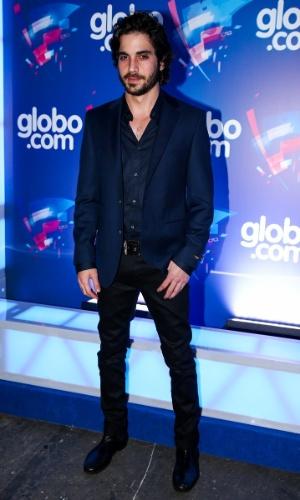 24.set.2014 - O ator e cantor Fiuk exibe seu look moderno na festa das Organizações Globo, em um estúdio da filial paulista da emissora, no Brooklin Novo, na zona sul de São Paulo, nesta quarta-feira