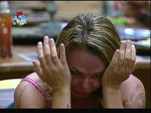 "25.set.2014 - Cristina Mortágua chora ao saber que Roy Rosselló deixou ""A Fazenda 7"""