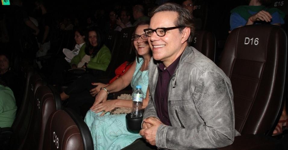 25.set.2014 - O ator Diogo Vilela prestigia a exibição do filme