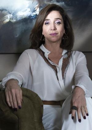 """Marisa Orth é Sylvia em """"Dupla Identidade"""""""
