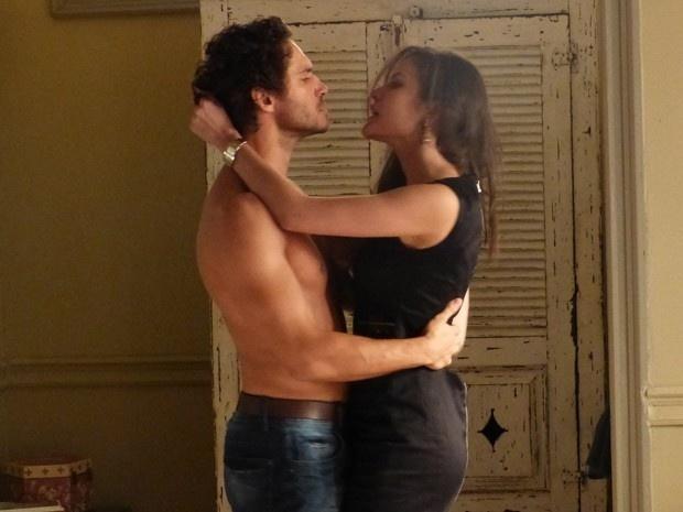 Orville e Carmen têm noite quente de amor para comemorar leilão de obras de Salvador