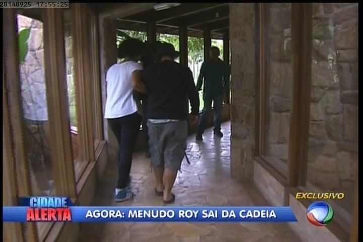 """Roy Rosselló é solto e retorna para """"A Fazenda 7"""""""
