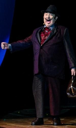 """24.set.2014 - Sergio Mamberti rememora seu personagem Dr. Vitor, de """"Castelo Rá-Tim-Bum"""", no aniversário de 45 anos da TV Cultura, nesta quarta-feira, no Teatro Bradesco, dentro de um shopping na zona oeste de São Paulo"""