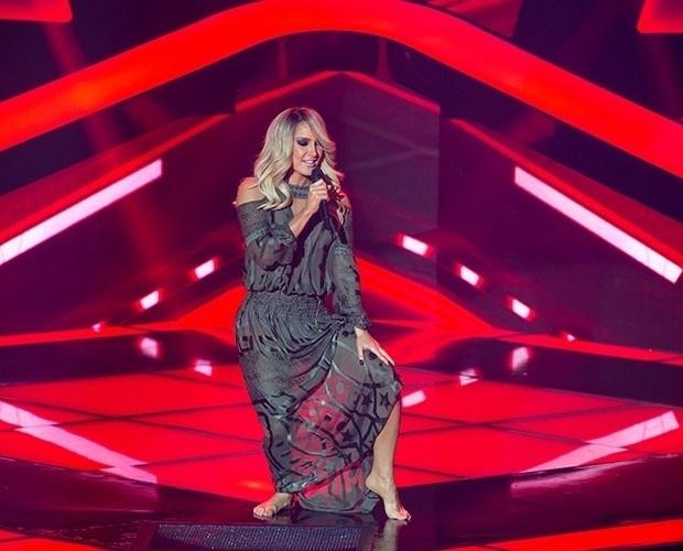 25.set.2014 - Claudia Leitte se apresenta no palco do