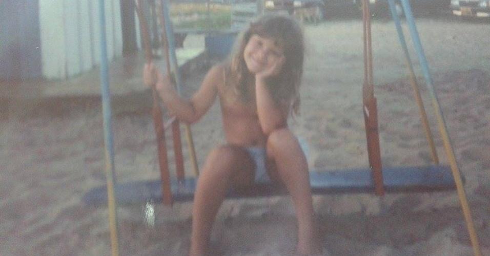 """Débora Lyra completa 25 anos confinada em """"A Fazenda 7"""". A modelo capixaba ganhou o concurso de Miss Brasil 2010 representando o Estado de Minas Gerais"""