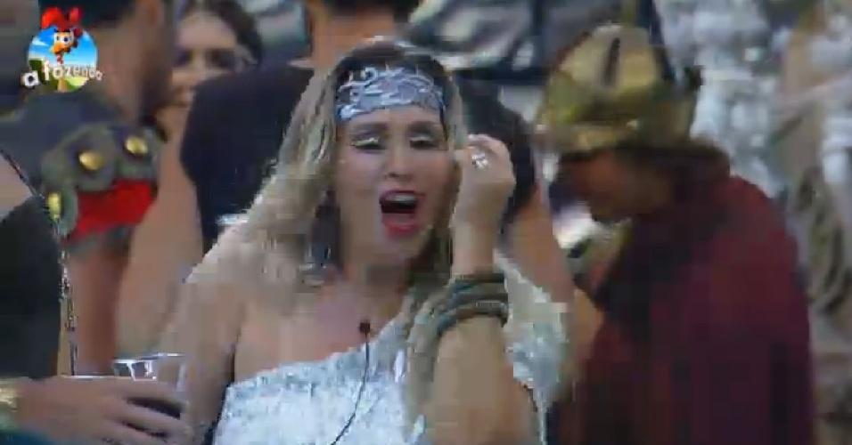 """26.set.2014 - A mais animada da noite, Andreia Sorvetão dança ao som de todos os ritmos na segunda festa de """"A Fazenda 7"""", nesta sexta-feira"""