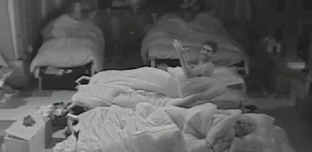 """Heloísa Faissol grita no meio da madrugada deste sábado, no quarto de """"A Fazenda 7"""""""