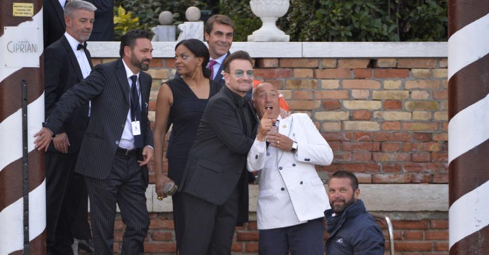 27.set.2014 - Bono, vocalista do U2, no casamento de George Clooney