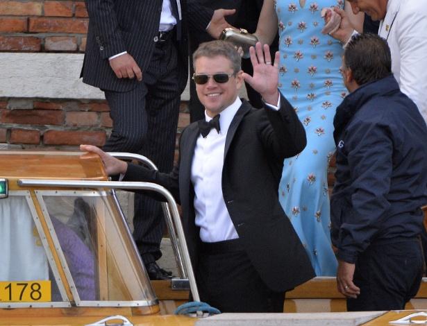 27.set.2014 - O ator Matt Damon chega de táxi aquático à festa que antecede o casamento de George Clooney com a advogada Amal Alamuddin, em Veneza.