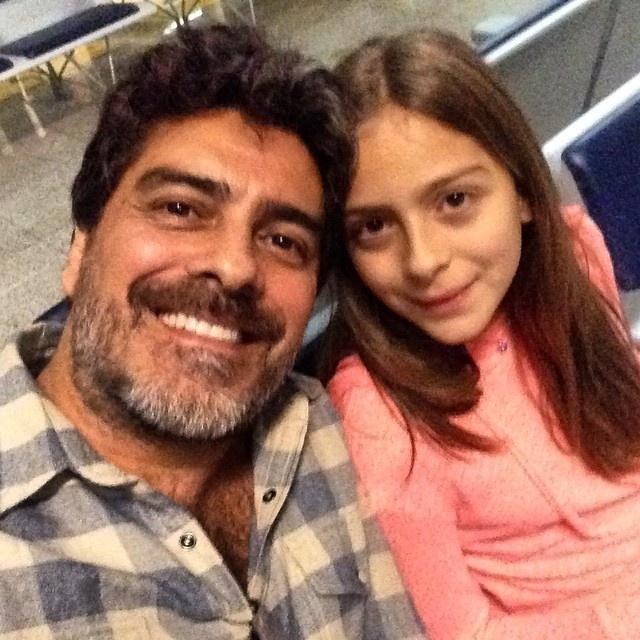 28.set.2014 - Junno Andrade com a filha, Luana