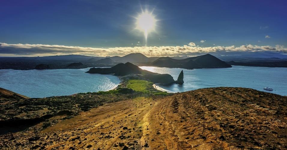 - Embora não exista época ruim para visitar Galápagos, é a melhor hora para quem gosta de observar a vida animal. Uma corrente oceânica fria deixa as temperaturas mais baixas, mas enche os mares de nutrientes e, consequentemente, de peixes
