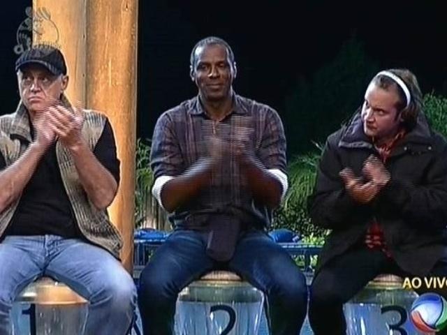 29.set.2014 - Oscar Maroni, Robson Caetano e Roy Rosselló estão na segunda roça de