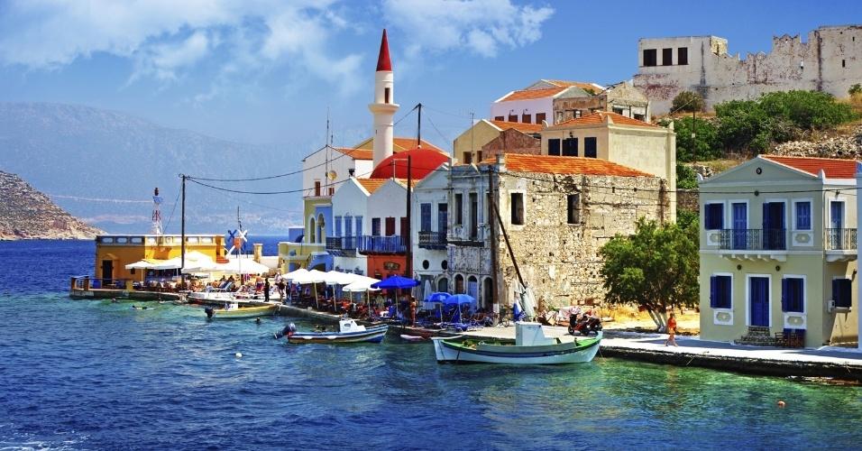 Apesar do fim do verão, o calor ainda não abandou os países mediterrâneos. Em lugares como as ilhas gregas as chuvas de outono ainda não chegaram, mas os turistas que lotam suas praias durante as férias já se foram