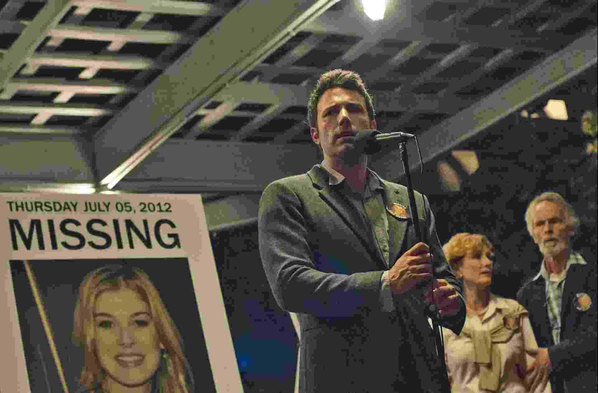 """Ben Affleck em cena de """"Garota Exemplar"""", de David Fincher - Divulgação"""