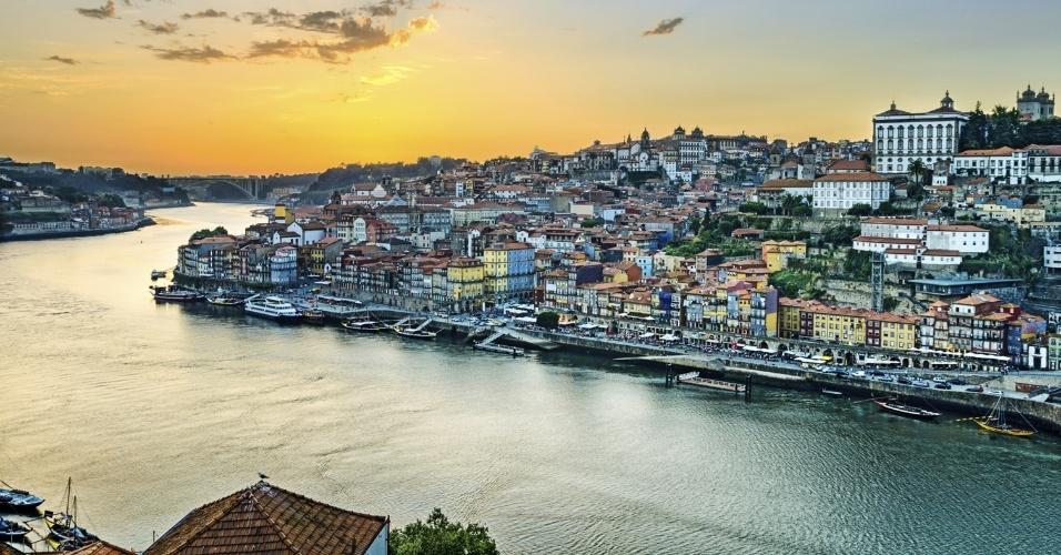 É época dos festivais da colheita em todo o continente, com certeza de boa comida e bebida em locais como a região do vinícola do vale do rio Douro, em Portugal