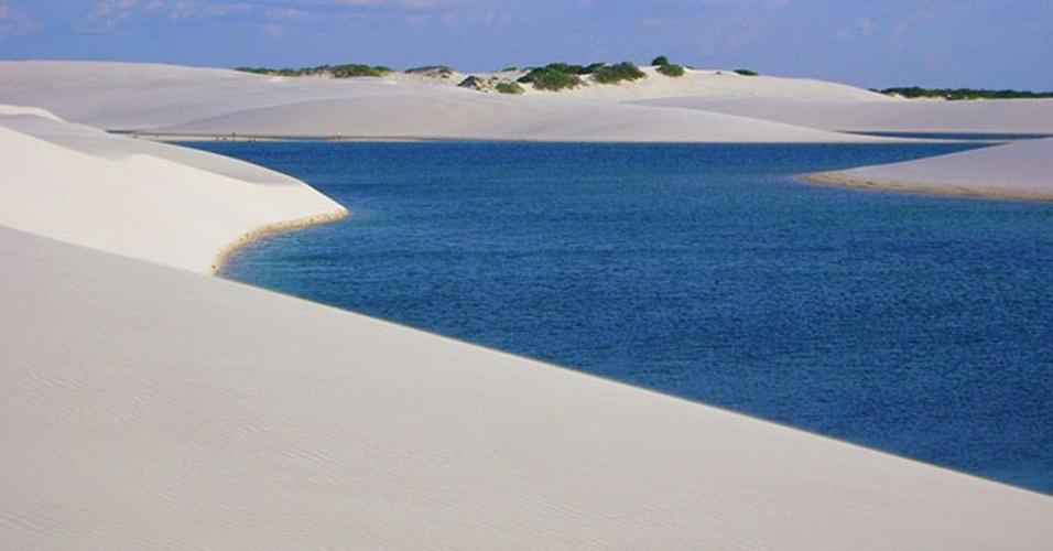 Outubro é o último mês para aproveitar as lagoas dos Lençóis Maranhenses cheias, já que vai começar a temporada seca